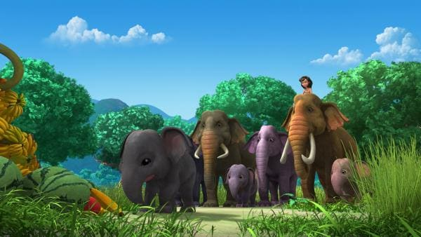 Mogli ist froh und auch stolz: Durch seine Hilfe ist Rudi (vorne), der Cousin von Appu und Hita, gesund und munter mit seinen Eltern, seinem Onkel und seiner Tante auf der Elefantenlichtung angekommen. | Rechte: ZDF/DQ Entertainment
