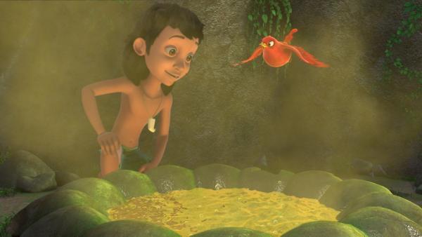 Darsi (r.) freut sich, denn Mogli (l.) hat die stinkende Quelle gefunden. Nun kann er seinen juckenden Finger heilen - und er hat die Dschungelprüfung bestanden. | Rechte: ZDF/DQ Entertainment