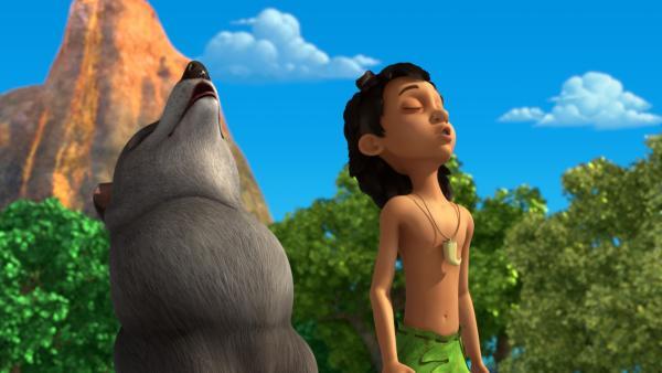 Mogli und seine Wolfsschwester Lali zeigen dem Wildschwein Rana, wie man als Wolf heult. | Rechte: ZDF/2009(c) DQ Entertainment