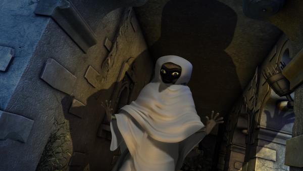 Mogli und Langur haben sich als Gespenst verkleidet. | Rechte: ZDF/DQ Entertainment