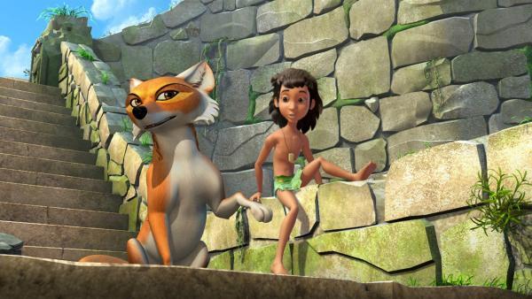 Mogli ist sauer: Immer behandelt Balu ihn wie ein Kind. Tabaqui nutzt die Gelegenheit und redet Mogli ein, dass er als erwachsen gelten wird, wenn er ein Ei einer Kobra ergattern kann.   Rechte: ZDF/DQ Entertainment