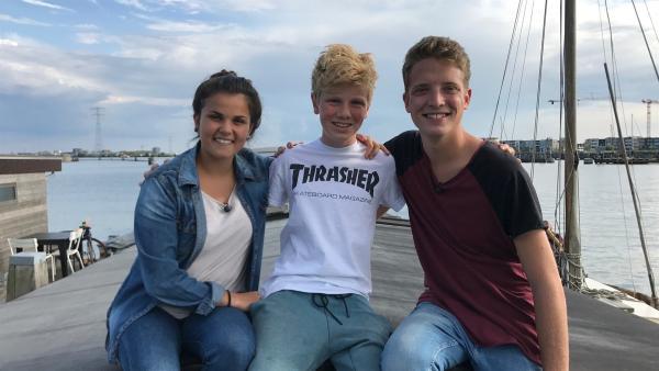 Wie lebt es sich auf einem Hausboot? Das checken Louisa und Philipp in den Niederlanden, als sie Sam besuchen. Er zeigt ihnen, wie es sich auf einem 130 Jahre alten Schiff so lebt. | Rechte: ZDF/Georg Bussek
