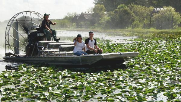 Louisa und Philipp sind in den Everglades, einem riesigen Sumpf-und Naturschutzgebiet in der Nähe von Miami in den USA.   Rechte: ZDF/Georg Bussek