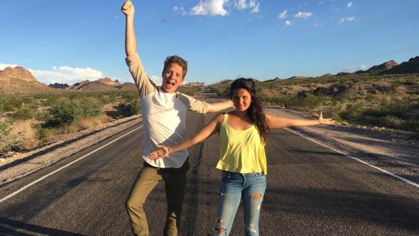 Das erste Mal…USA! Louisa und Philipp sind auf dem Weg nach San Francisco. | Rechte: ZDF/Georg Bussek