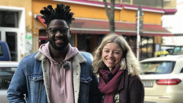 Moderatorin Michelle mit Sänger Kelvin Jones in Berlin | Rechte: Radio Bremen/Matthias Kind