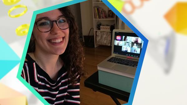 Leontina sitzt vor ihrem Laptop | Rechte: BSB Film