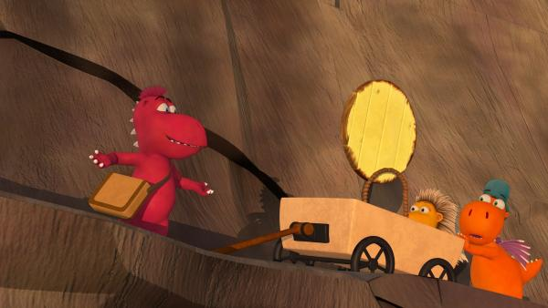 Kokosnuss, Oskar und Matilda sind auf dem Weg zum Gipfel des Drachenberges. Dort wollen sie eine Sonnenfinsternis inszenieren. | Rechte: ZDF/Caligari