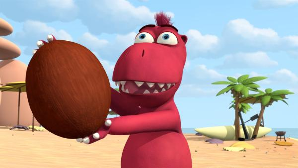 Oskar hat den Ball gefangen: eine Kokosnuss.   Rechte: ZDF/Caligari Film