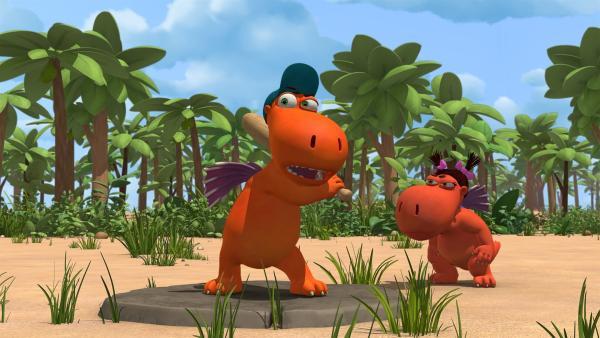 Kokosnuss gibt alles beim Spiel gegen die Obstschwestern. | Rechte: ZDF/Caligari Film
