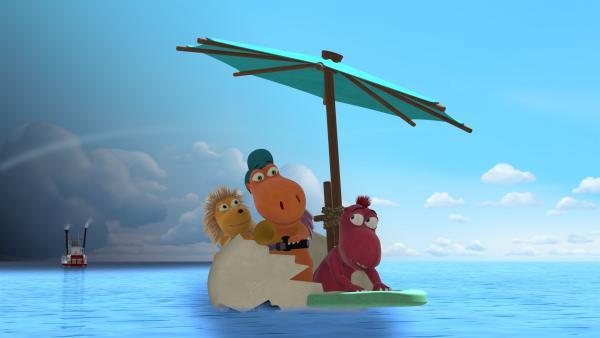Kokosnuss und seine Freunde wollen Mini Mo einholen, der die Dracheninsel mit dem Schiff verlassen hat. Doch leider gibt ihre Flugmaschine den Geist auf. | Rechte: ZDF/Caligari Film