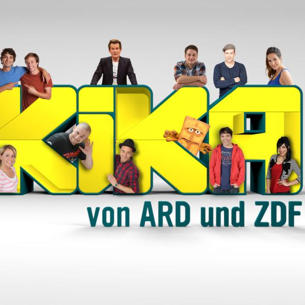 KiKA-Moderatoren mit Logo | Rechte: KiKA