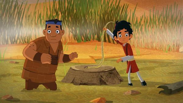 Luigi und Marco fangen eine Schlange. | Rechte: MDR/MotionWorks