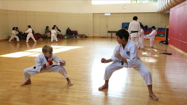 Jacob im Kung-Fu-Unterricht   Rechte: SWR/Tellux Film