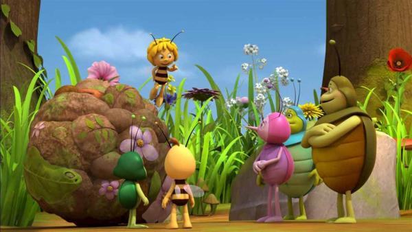 Majas Mistkugel gewinnt einen Preis. | Rechte: ZDF/Studio100 Animation