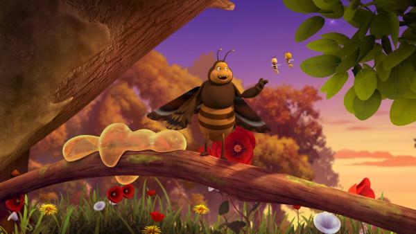 Die Raupe Momo hat sich in eine gefräßige Motte verwandelt. | Rechte: ZDF/Studio100 Animation