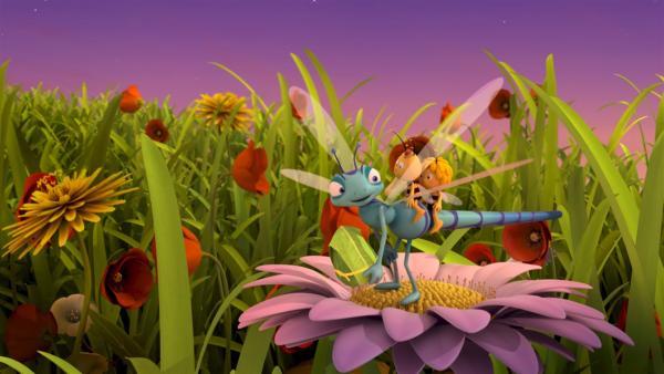 Zusammen mit Franzi will Maja ein Paket ausliefern. | Rechte: ZDF/Studio100 Animation