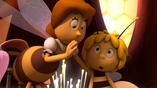 Maja bekommt von Frau Kassandra einen königlichen Auftrag. | Rechte: ZDF/Studio100 Animation