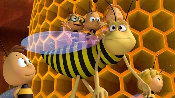 Piekser kümmert sich um die Bienchen. | Rechte: ZDF/2017/Studio 100 Animation