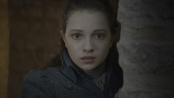 Alisa (Anastasia Martin) von Vamalia sorgt sich um Leo (Ulrik William Graesli). | Rechte: NDR/Lemming Film
