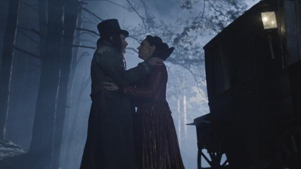 Dracula (Julian Bleach) will unter allen Umständen zurück zu seiner Frau Elisabetha (Monic Hendrickx) | Rechte: NDR/Lemming Film