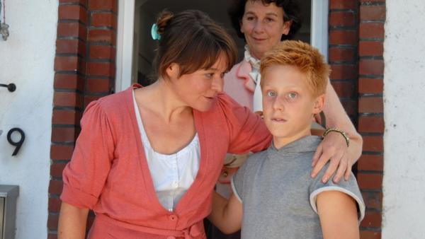 Petra (Julia Schmidt) beschließt ihren Mann zu verlassen. Robin (Timo Glinka) erleichtert diese Nachricht. | Rechte: NDR/Romano Ruhnau