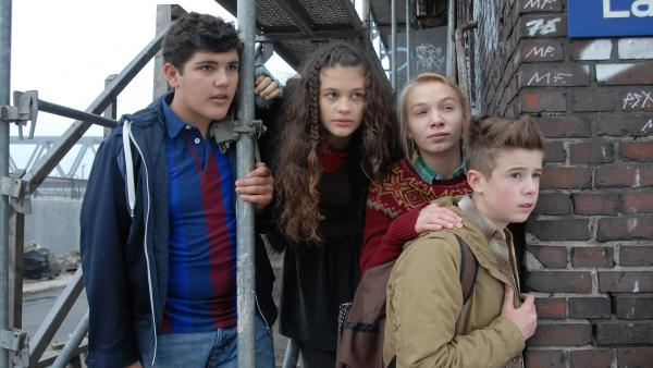 Die Pfefferkörner (v.l.n.r.): Anton (Danilo Kamber), Ceyda (Merle de Villiers), Jessi (Martha Fries) und Niklas (Jaden Dreier) | Rechte: NDR/Romano Ruhnau