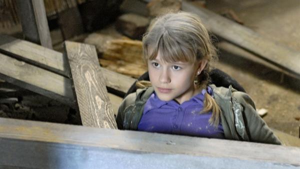 Lilly (Laura Gabriel) steckt in der Falle. | Rechte: NDR/Romano Ruhnau