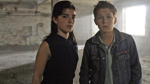 Yeliz und Laurenz (Mira Lieb, Tim Tiedemann) haben keine Angst. | Rechte: NDR/Romano Ruhnau