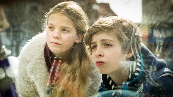 Stella (Zoë Malia Moon) und Till (Otto von Grevenmoor). | Rechte: NDR/StudioHH Foto: Boris Laewen