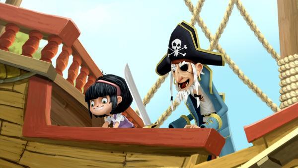 Goldstück und ihre Piratenopa sind begeistert von der Piratenmusik. | Rechte: WDR/Cyber Group Studios