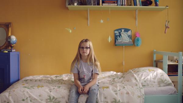 Floor (Bobbie Mulder) möchte auch unbedingt ein Meerschweinchen.   Rechte: NDR/NL Film