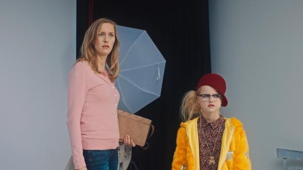 Irma (Elisa Beuger) und Floor (Bobbie Mulder) haben genug vom Modeln. | Rechte: NDR/NL Film