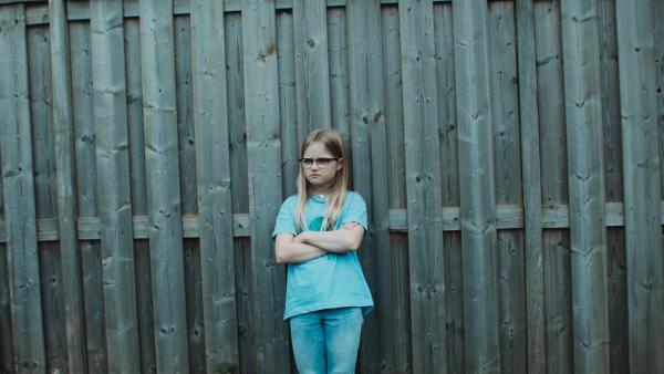 Floor (Bobbie Mulder) ärgert sich über Kees.   Rechte: NDR/NL Film