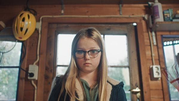 Floor (Bobbie Mulder) hat die Pussycat aus Versehen zerstört. | Rechte: NDR/NL Film