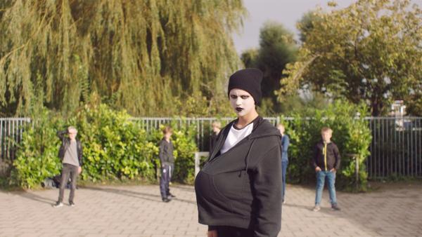 Kees (Ole Kroes) ist jetzt Gothic. | Rechte: NDR/NL Film