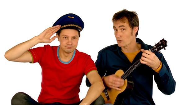 "André und Wolfram singen den Kinderliedklassiker ""Grün, grün, grün ..."". | Rechte: WDR"