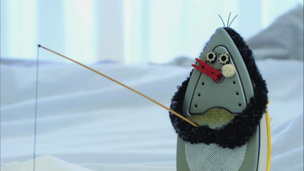 Ein ungewöhnlicher Pinguin macht ganz viel Quatsch. | Rechte: WDR