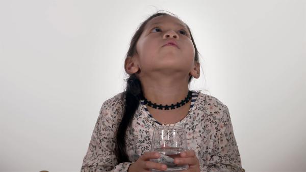 Kinder zeigen, dass man auch gurgelnd ein Lied singen kann. | Rechte: WDR