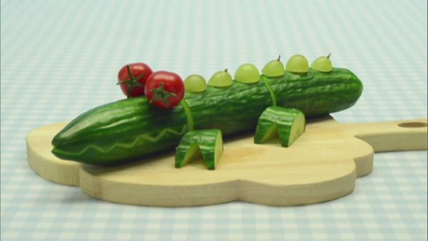 Aus einer Salatgurke wird ein lustiges Tier. | Rechte: WDR