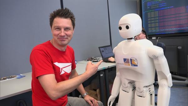 Was echte Roboter können, findet André an der Uni Bonn heraus. | Rechte: WDR