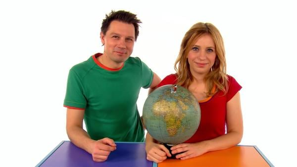 Tanja und André stellen sich die Frage: Warum fallen wir nicht von der Erde? | Rechte: WDR