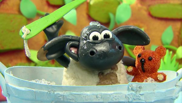 Timmy nimmt ein Bad.   Rechte: WDR