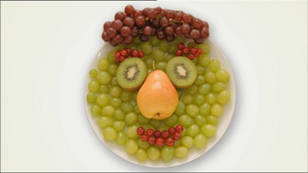 In den Lach- und Sachgeschichten gibt es viel gesundes Obst und Gemüse. | Rechte: WDR