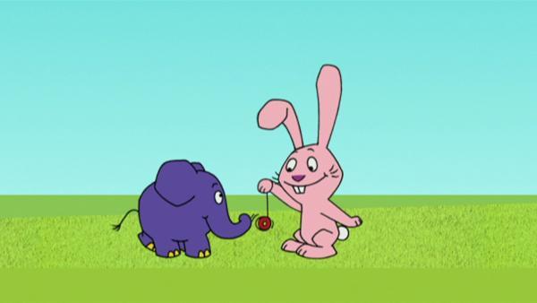 Hase und Elefant haben einen lustige Idee. | Rechte: WDR