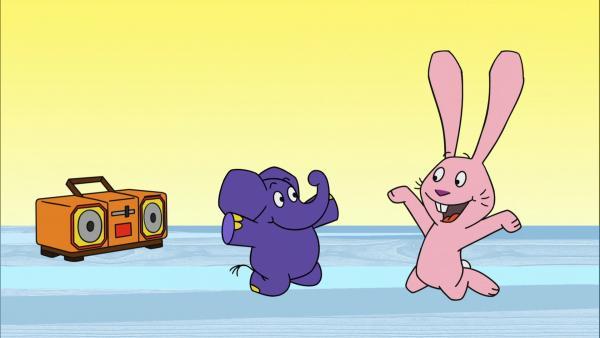 Hase und Elefant haben viel Spaß bei Musik und Tanz. | Rechte: WDR