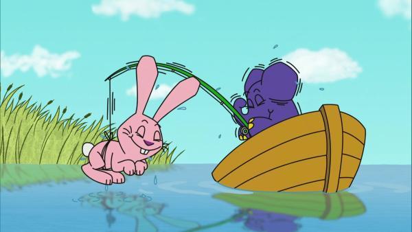 Hase und Elefant angeln zusammen. | Rechte: WDR