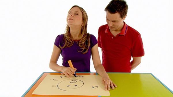 Tanja und André malen mit verbundenen Augen. | Rechte: WDR