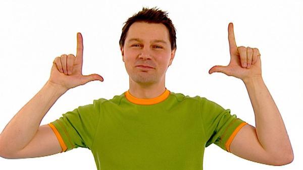 André zeigt ein Kunststück mit Daumen und Zeigefinger. | Rechte: WDR