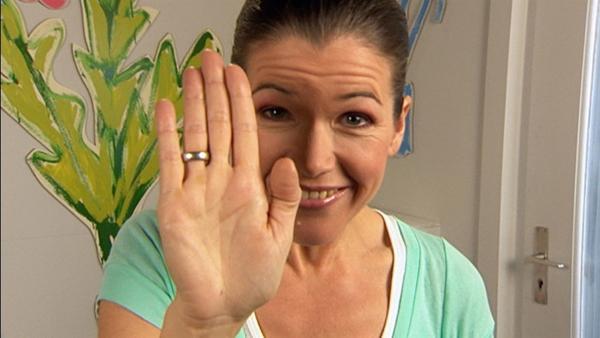 Anke Engelke zeigt, wie sie ohne Worte sagen kann, was sie denkt. | Rechte: WDR