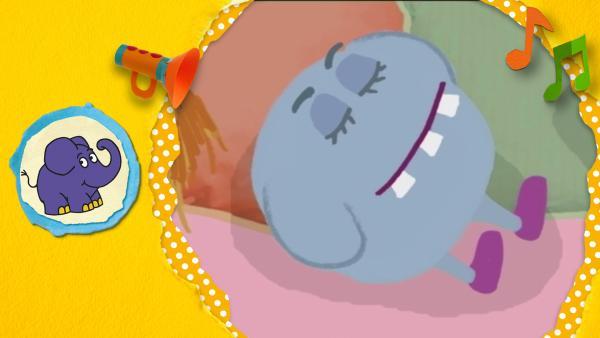 Ein kugelrundes, grau-blaues Monster mit drei großen Zähnen schläft.   Rechte: KiKA